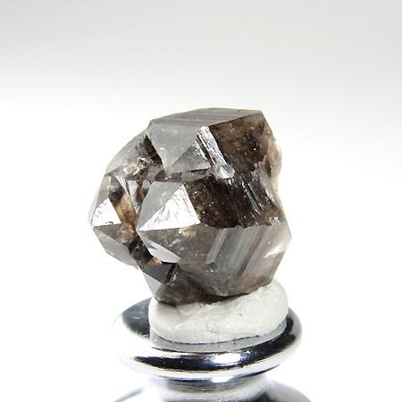 ダブルターミネーテッドがいくつか折り重なった形状