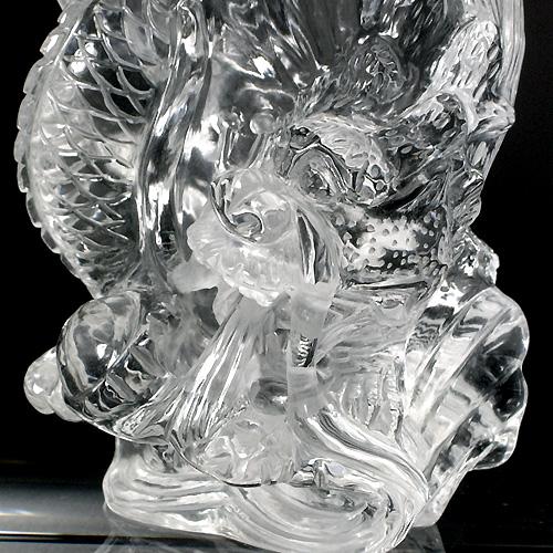 見事な彫りの「龍」