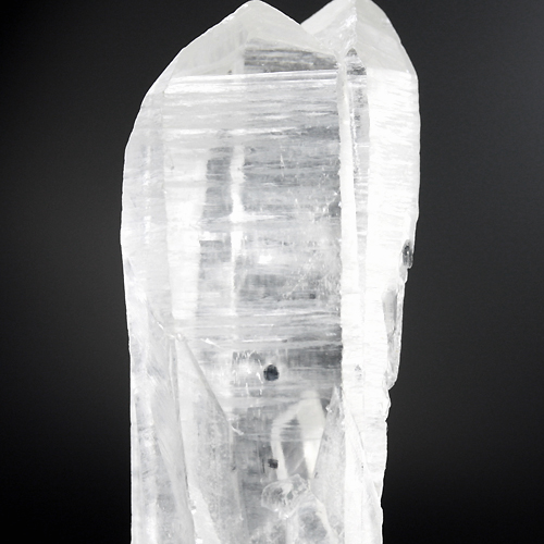 粒状のモリブデナイト(鉛色)